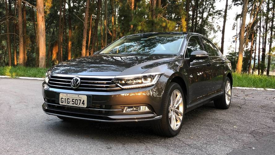 """VW Passat 2018 ganha nova multimídia com tela de 9,2"""" e tem preço reduzido"""