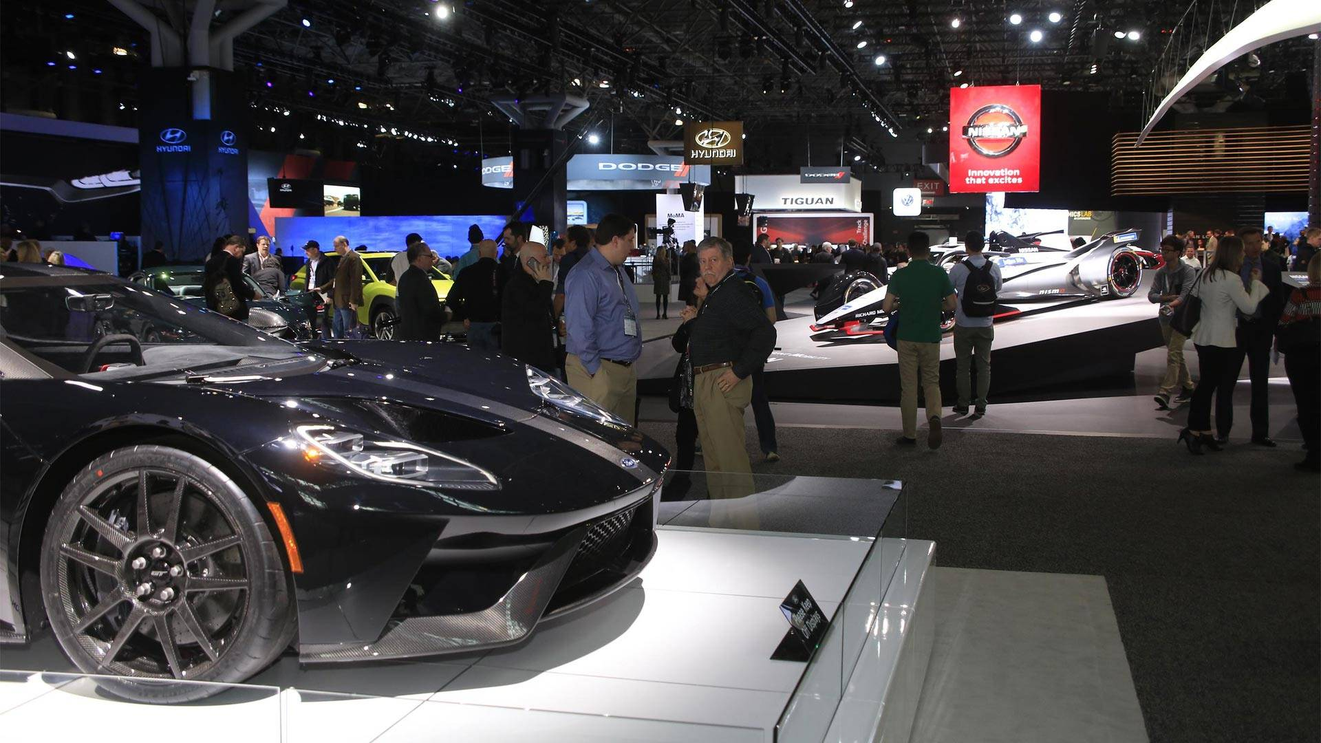 Walk Around The 2018 New York Auto Show Live With Us Right Now