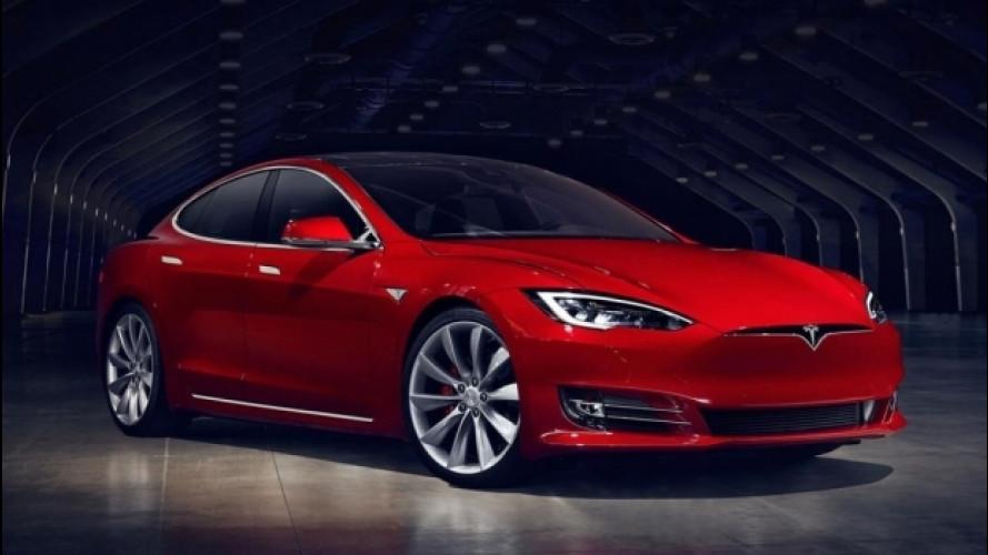 Tesla, il nuovo aggiornamento Autopilot punta sui radar