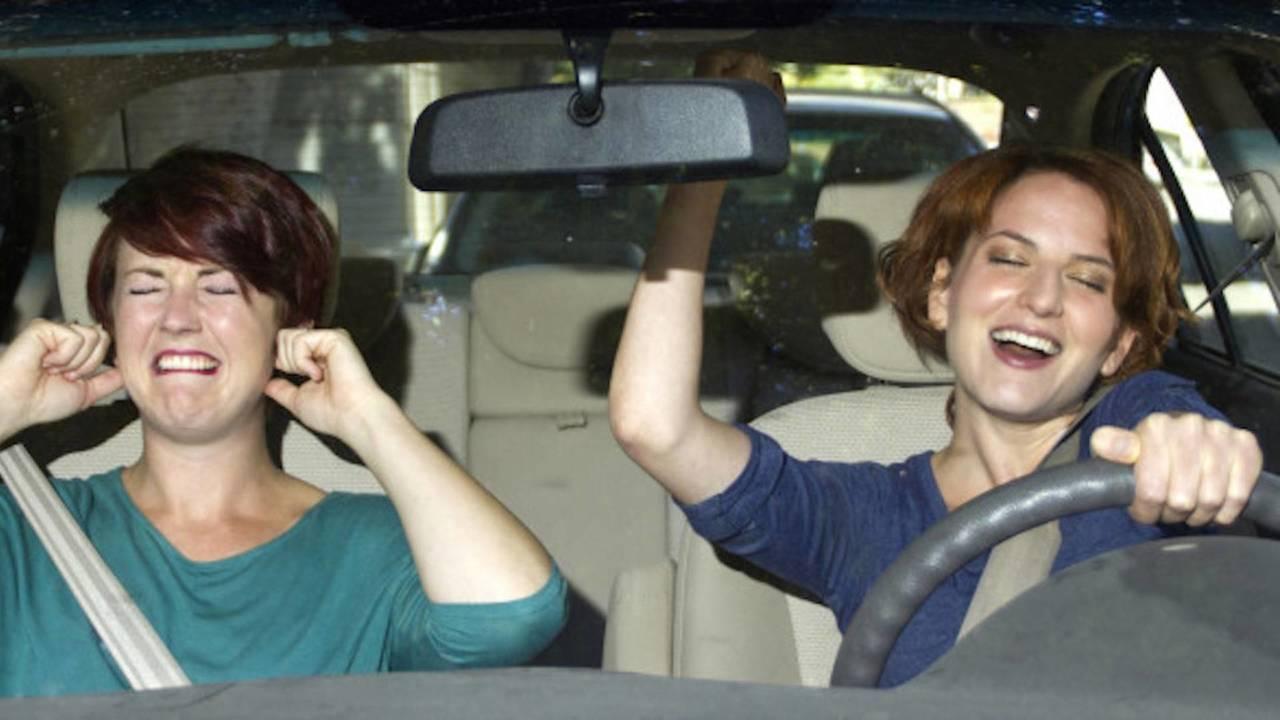 Le canzoni di Sanremo più cantate in auto