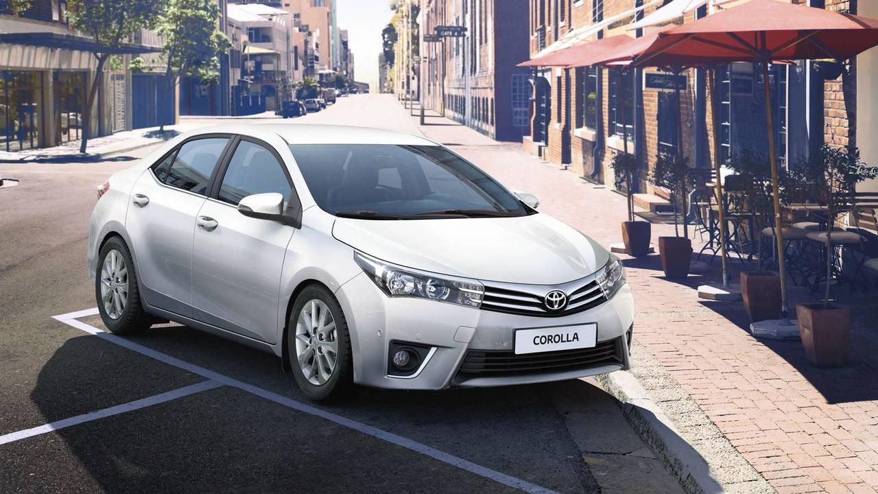 Toyota 7,048
