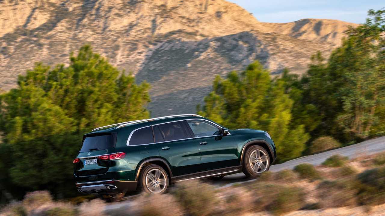 Mercedes-Benz GLS: известны российские спецификации