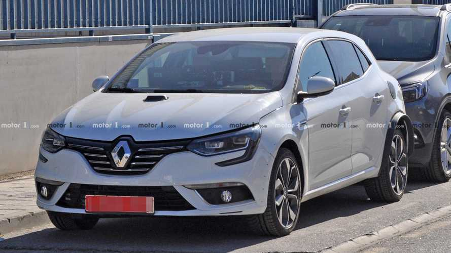 Renault Megane Hybrid Spy Photos
