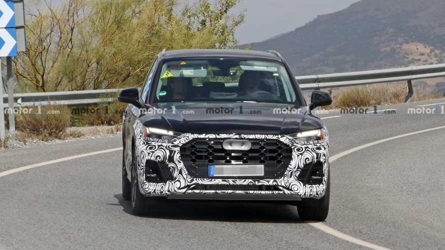 Audi Q5 facelift spy photos
