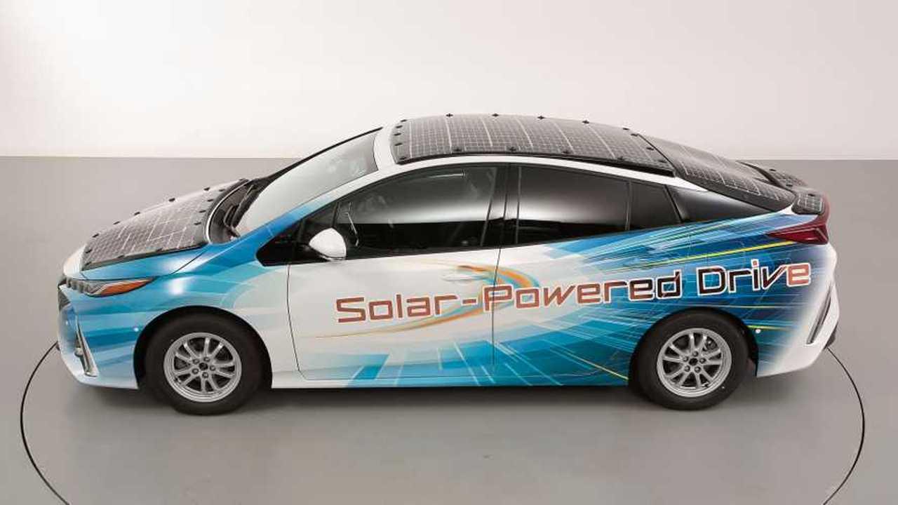Toyota Prius PHV solar demo car