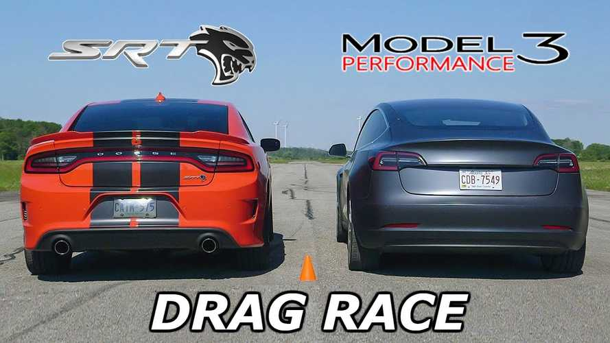 Dodge Charger SRT Hellcat vs Tesla Model 3 Performance: Video Drag Race