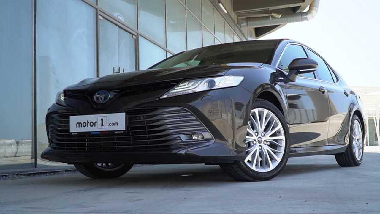 2019 Toyota Camry Hybrid 2.5 Passion e-CVT   Neden Almalı?
