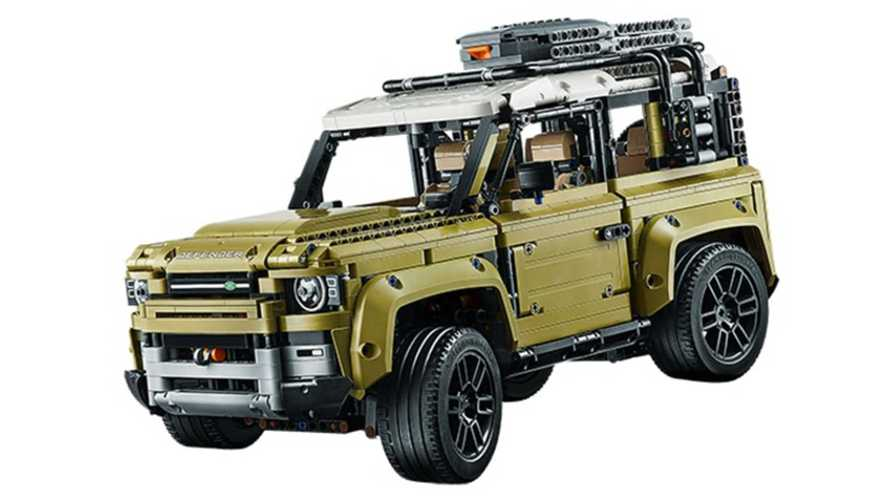 Le Land Rover Defender en fuite... dans sa version Lego