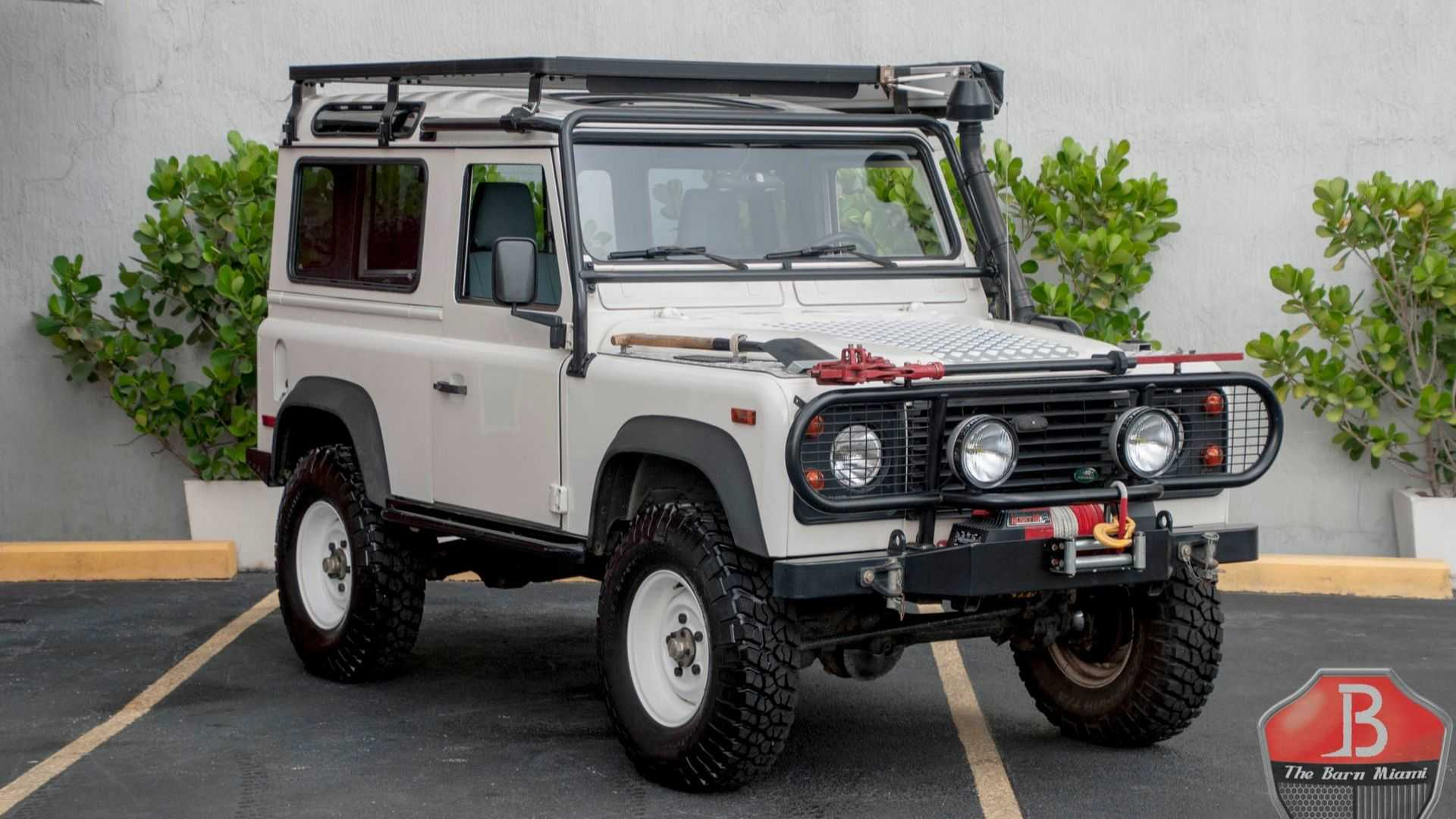 "[""Conquer All The Obstacles With This 1995 Land Rover Defender 90 NAS""]"
