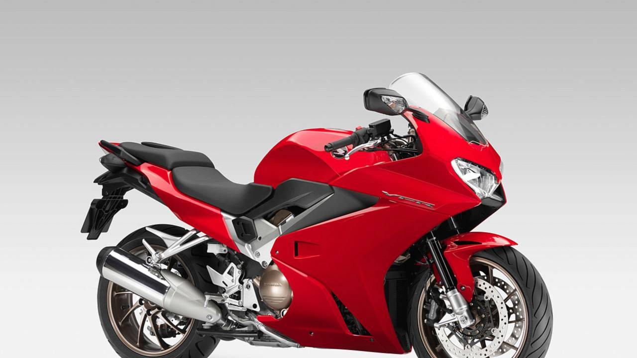 The 2014 Honda Interceptor's styling is clean and purposeful. The NACA ducts on the side pay homage to previous generations of VFR.