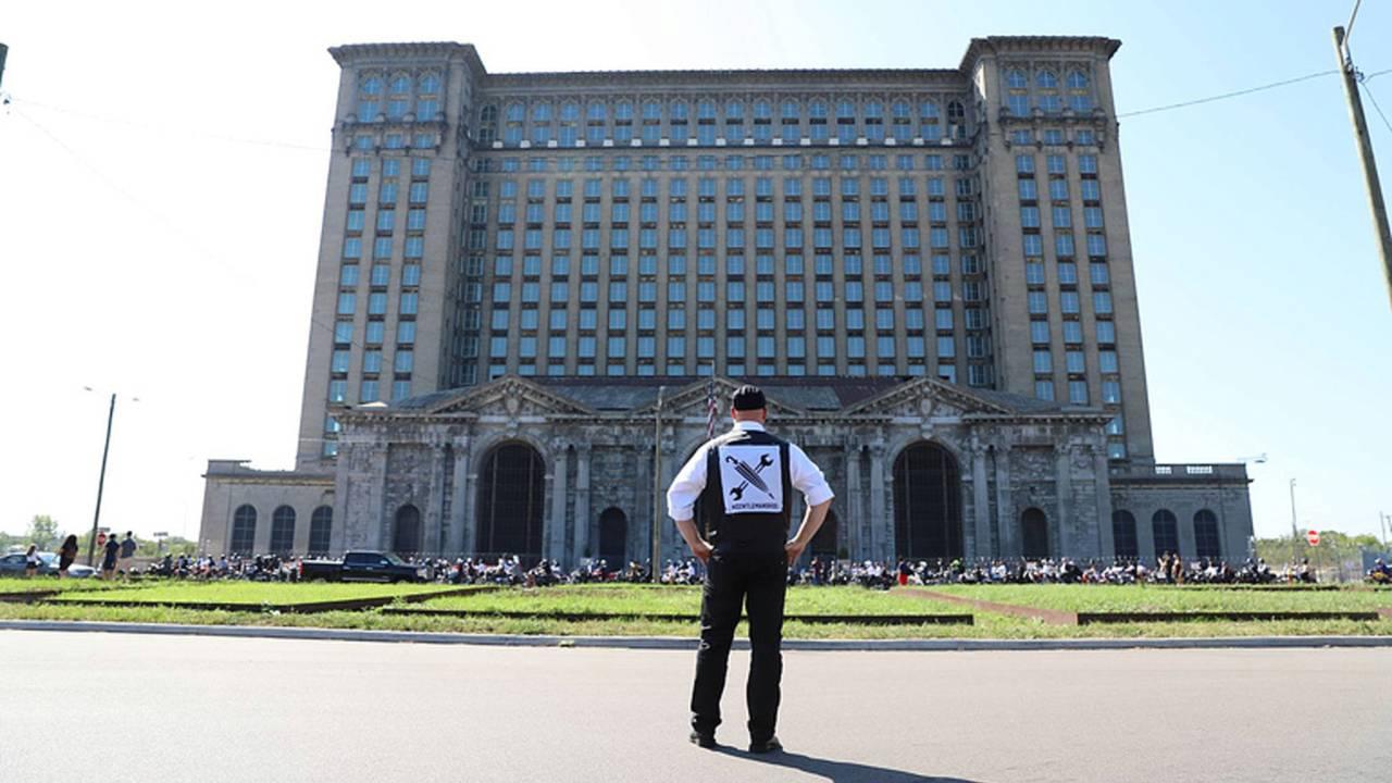 Detroit Gets Dapper-The 2017 Distinguished Gentleman's Ride