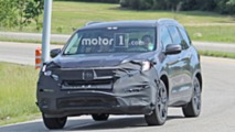 Honda Pilot PHEV spy photo