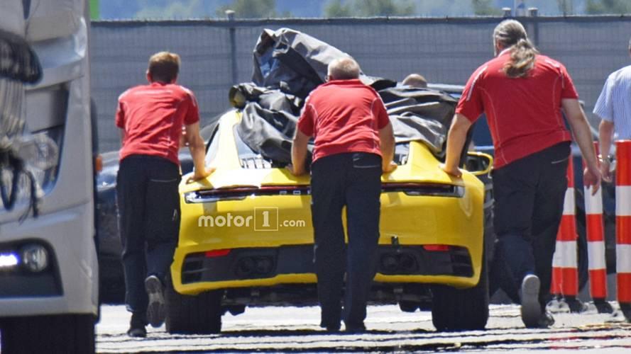 Flagra: Porsche 911 2019 mostra nova traseira em vídeo