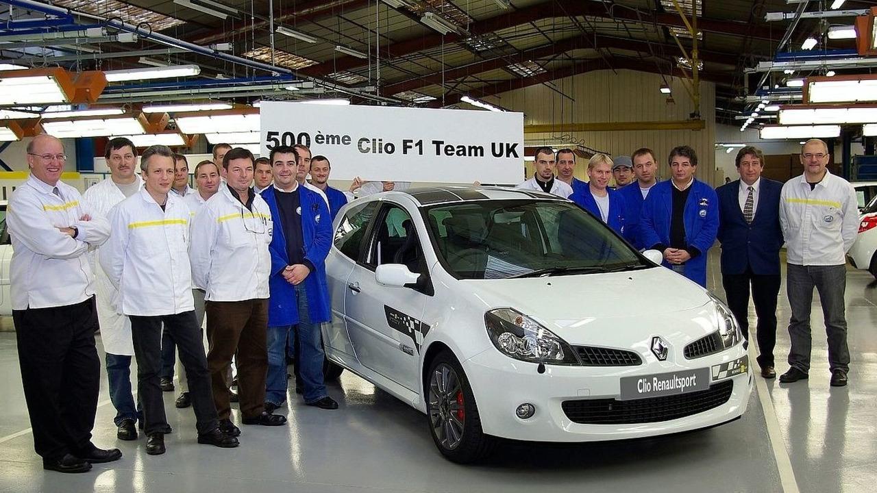 Clio Renaultsport 197 F1 Team R27 in Glacier White