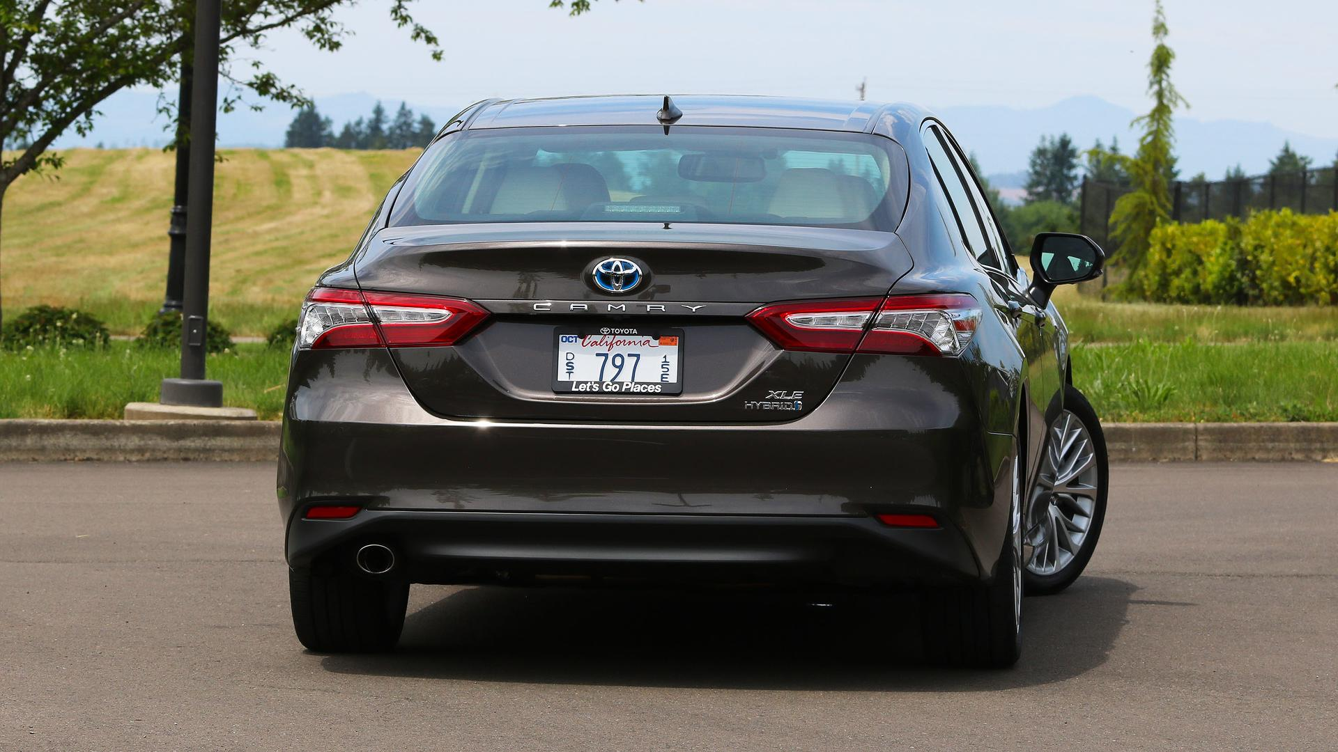 Camry Hybrid Review >> 2018 Toyota Camry Hybrid Review More Efficient More Useful