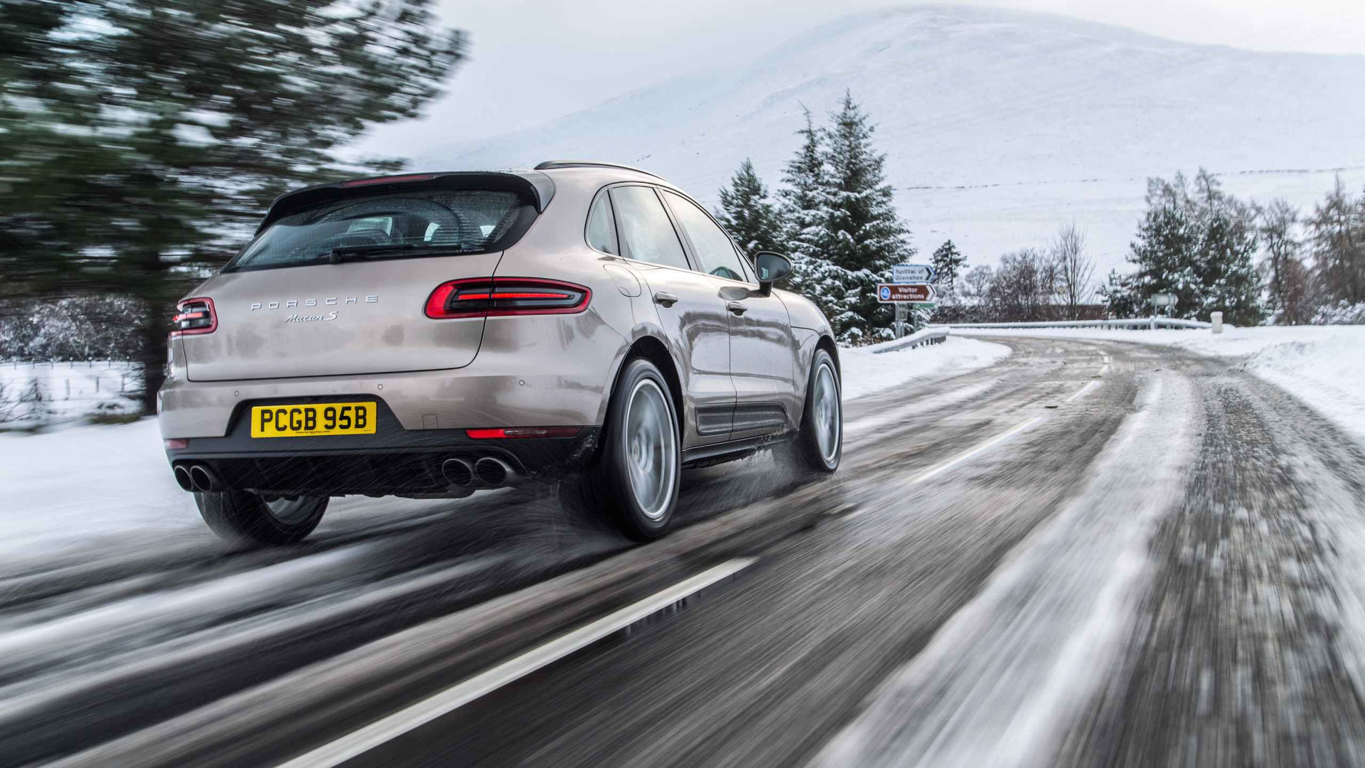 2016 Porsche Macan review The enthusiast s SUV