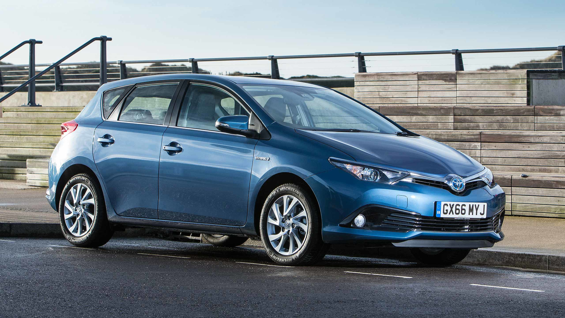 2017 Toyota Auris Review