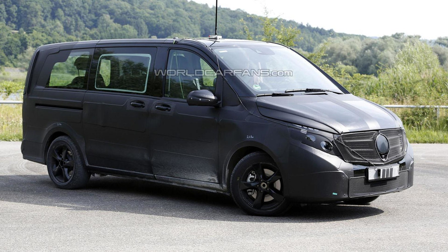 2014 Mercedes Viano spied showing new details