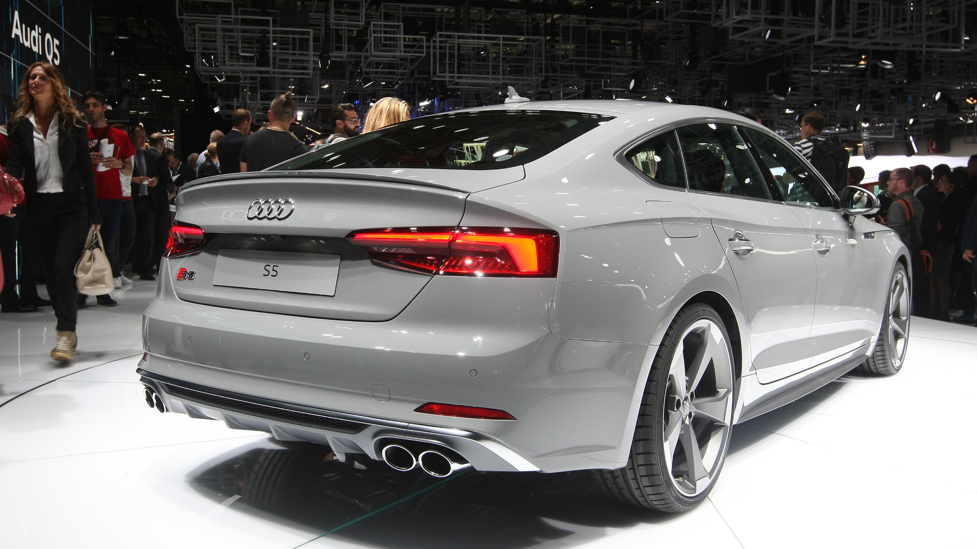 audi s5 coupe sportback grace paris with their sleek bodies. Black Bedroom Furniture Sets. Home Design Ideas