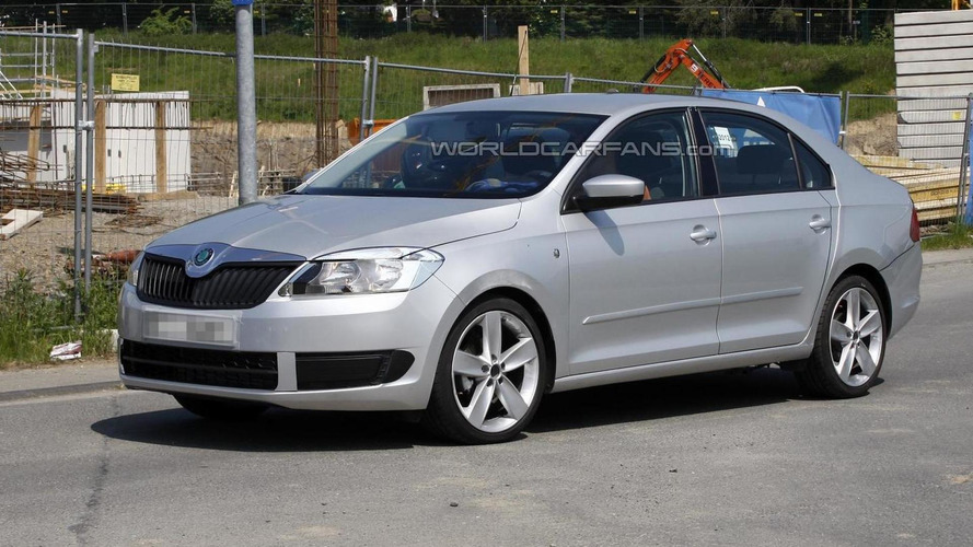 Skoda Rapid spied burning rubber on Nurburgring [video]