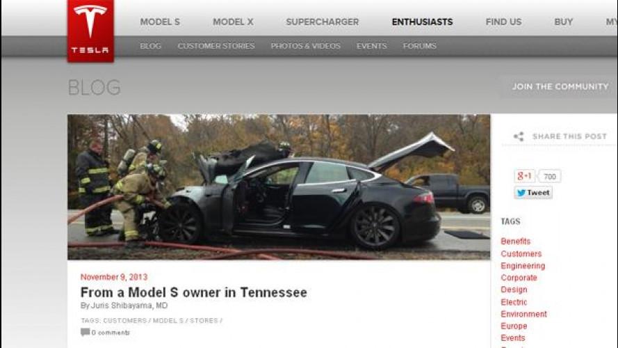 Tesla Model S, l'auto elettrica va in fiamme e il cliente la difende
