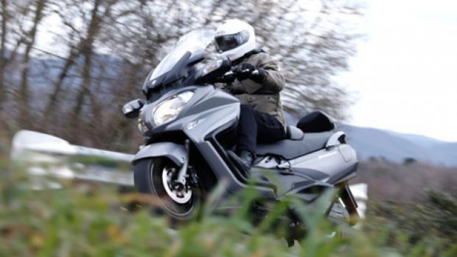 Suzuki Burgman 650 Executive 2013 - TEST