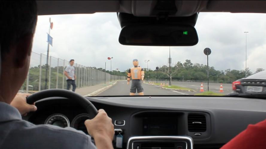 Avaliação Volvo S60: Confira o teste dos sistemas de segurança com vídeo