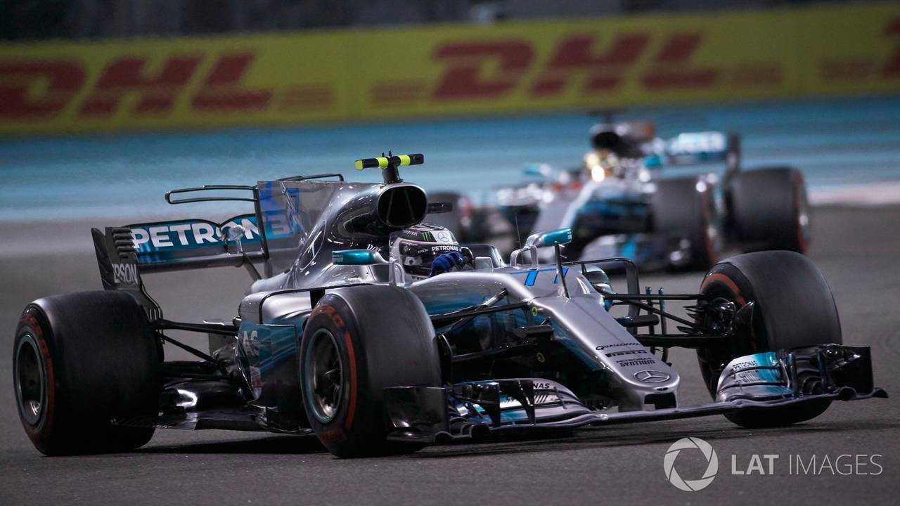 Valtteri Bottas leads Lewis Hamilton in Russian GP 2018