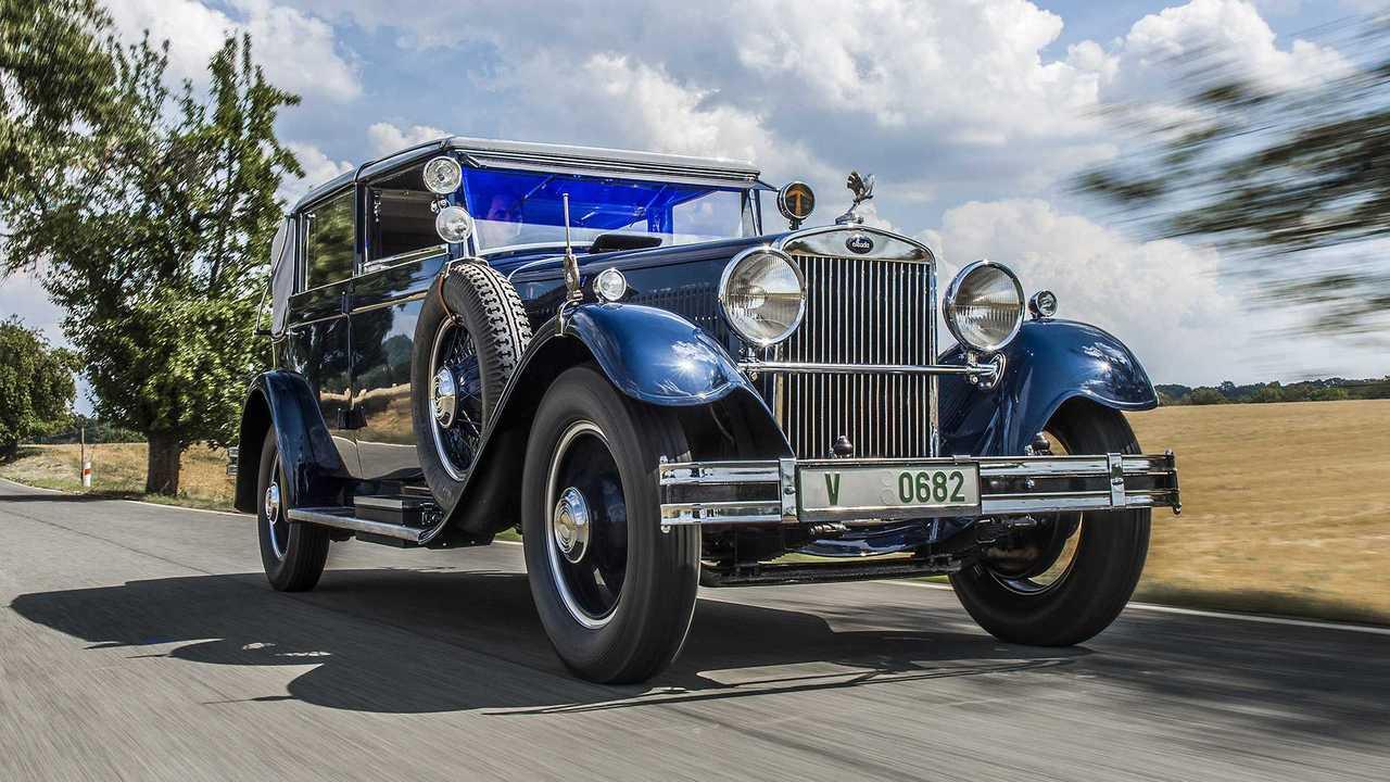 Skoda 860 mit Achtzylindermotor