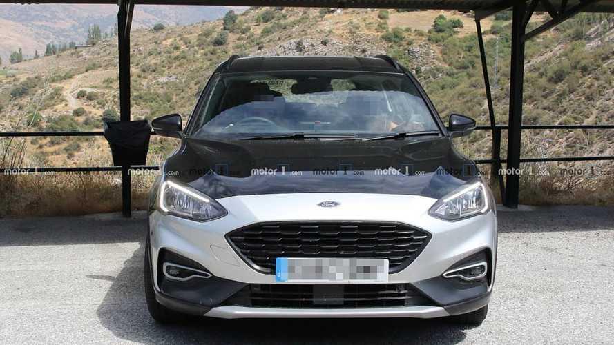 2019 Ford Focus Active Wagon spy photos