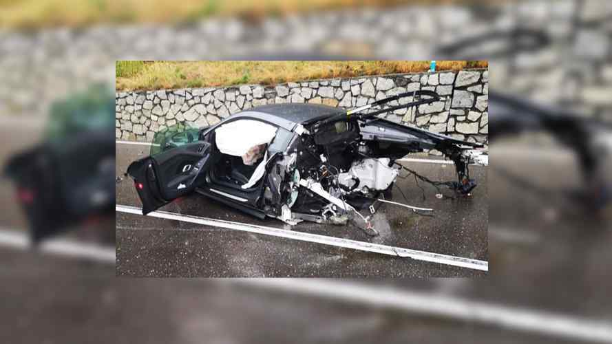 Audi R8 Ripped In Two After Crazy Collision, Driver Walks Away