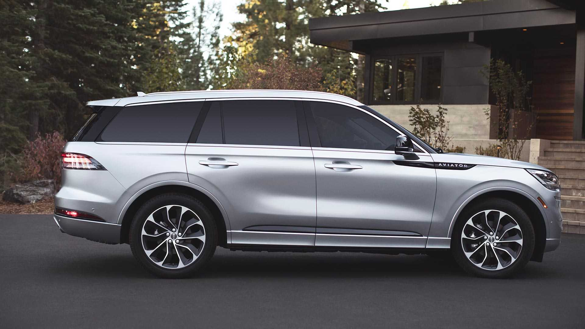 The Most Expensive Lincoln Aviator Suv Costs 91 145