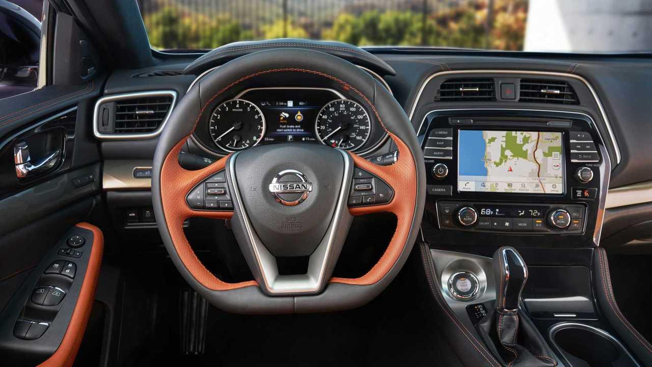 Nissan Maxima recebe facelift e novos equipamentos na ...