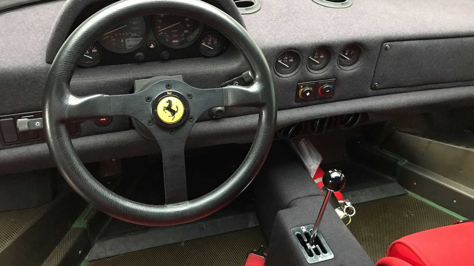 "[""Ten Things You Didn't Know About The Ferrari F40""]"