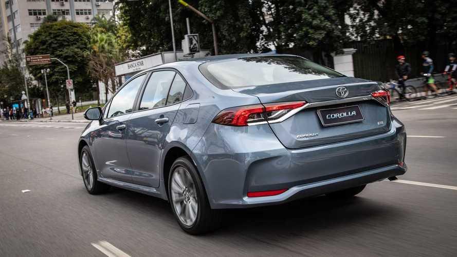Nem o líder Toyota Corolla escapa da crise dos sedãs médios; veja ranking