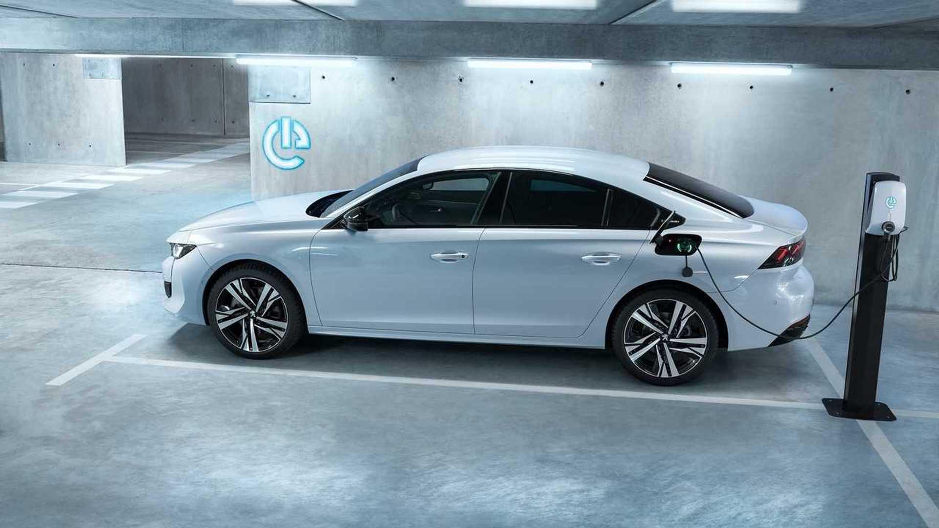 Peugeot 508 Hybrid und 508 SW Hybrid: Neue Plug-in-Modelle mit 225 PS