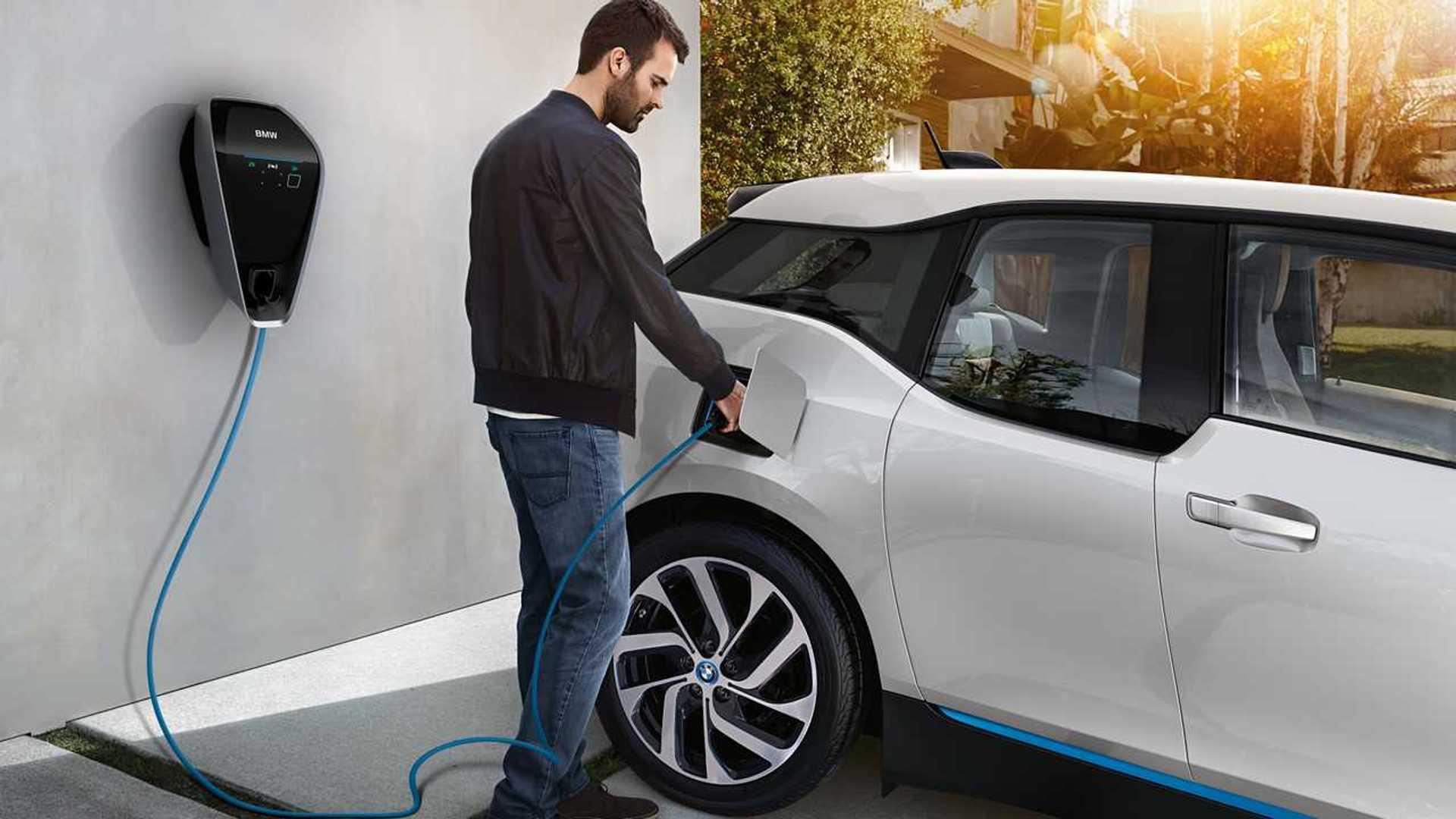 Auto elettriche, ecco perché la ricarica a casa rimarrà più conveniente