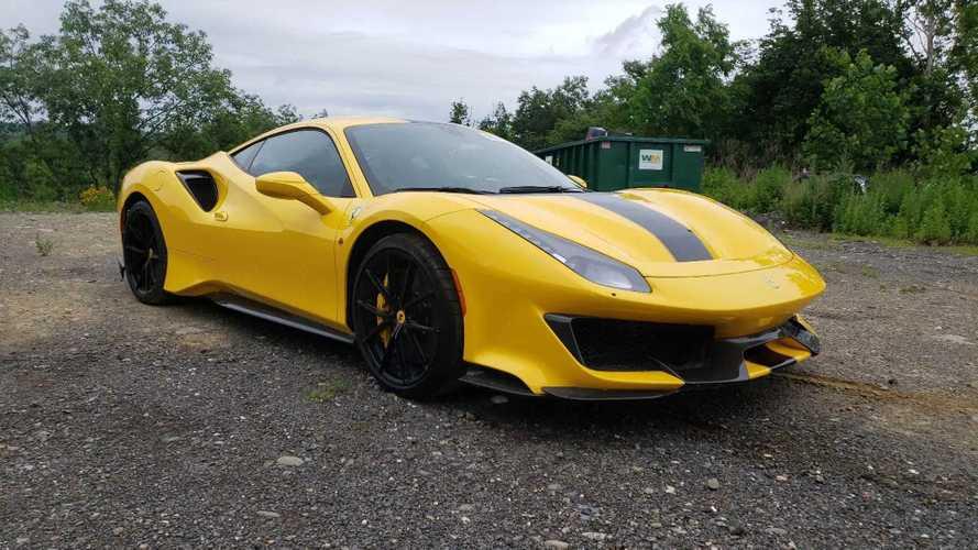 75 millió forintért kínálnak egy összetört Ferrari 488 Pistát