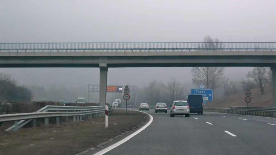 A következő pár napban súlyos dugók és sebességkorlátozás várható az M3-as autópályán