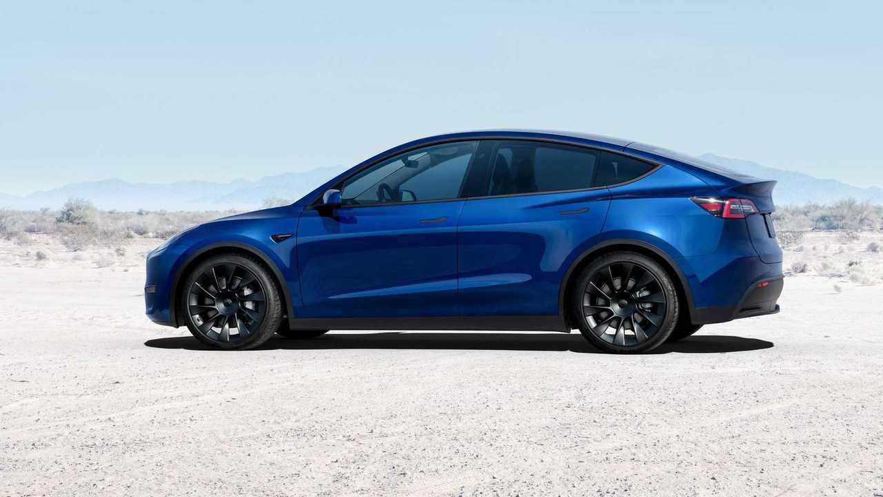 Tesla Y modell (2021)