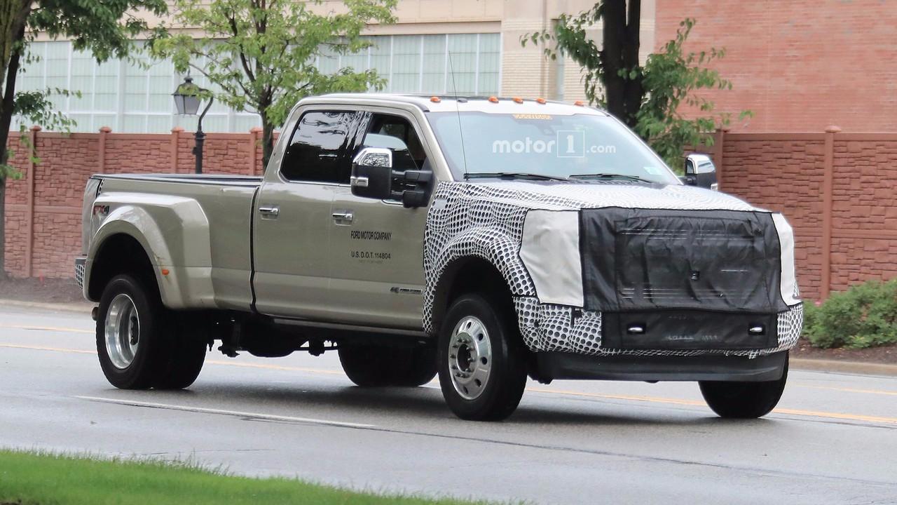 2019 Ford Super Duty Spy Photos