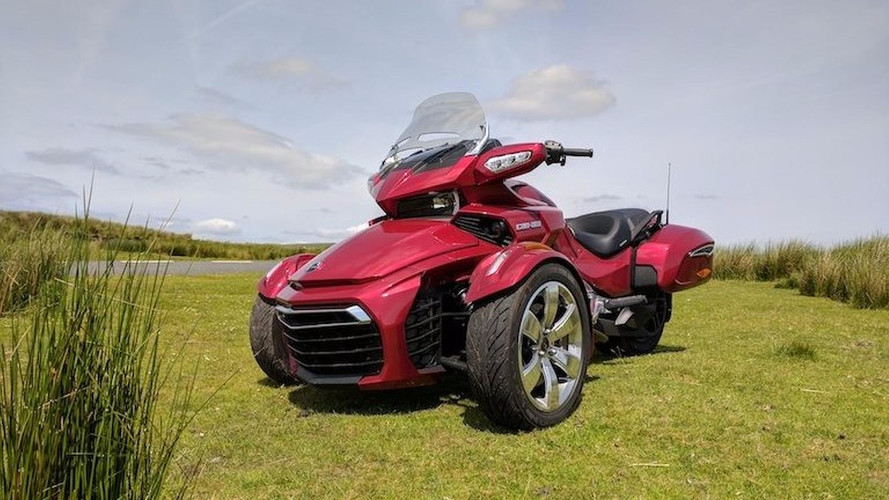 Can-Am Spyder F3-T: Different is Good