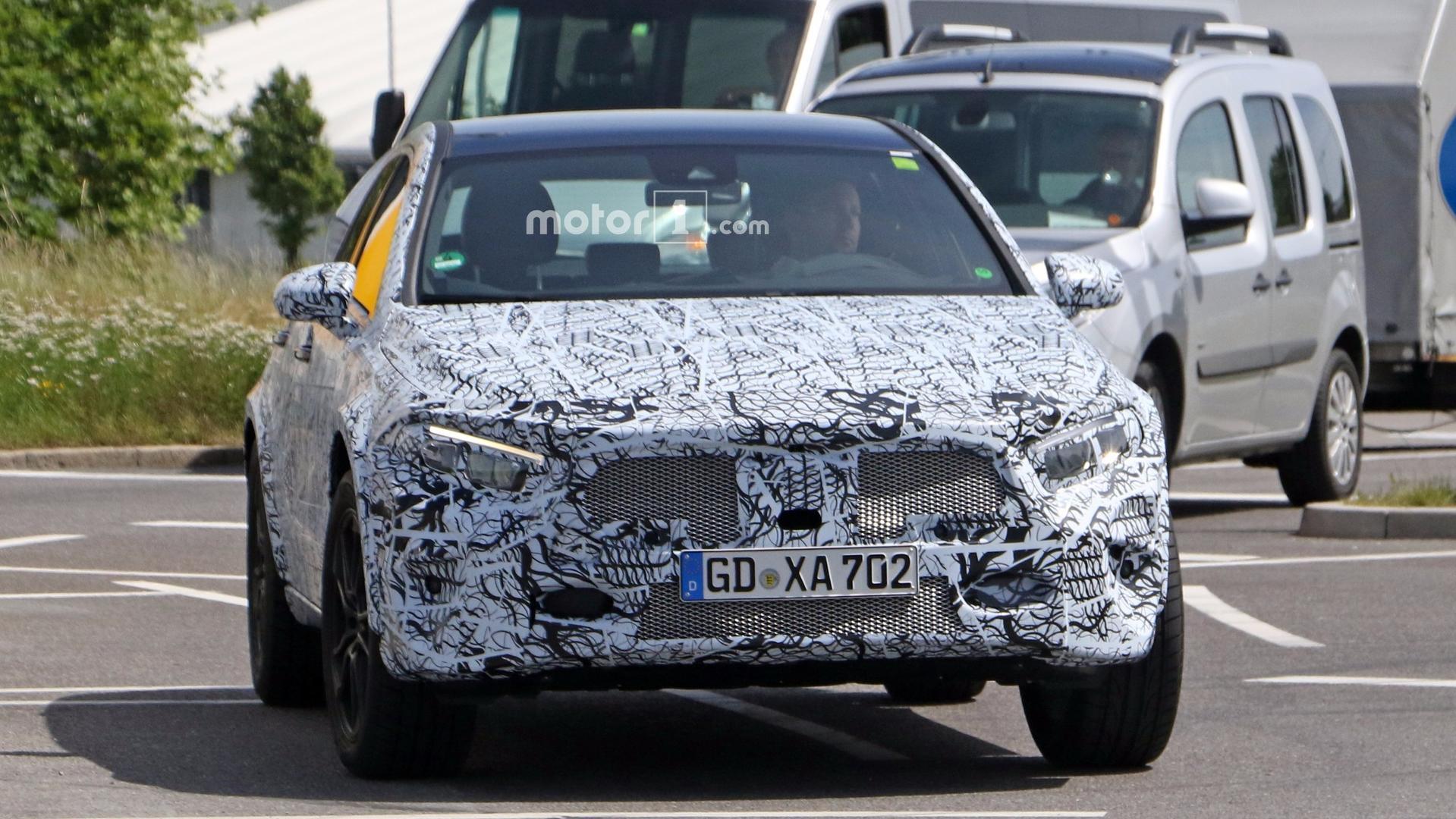 2020 Mercedes-Benz GLA Spy Shots, Rumors >> 2020 Mercedes Gla Rumored For September Debut In Frankfurt