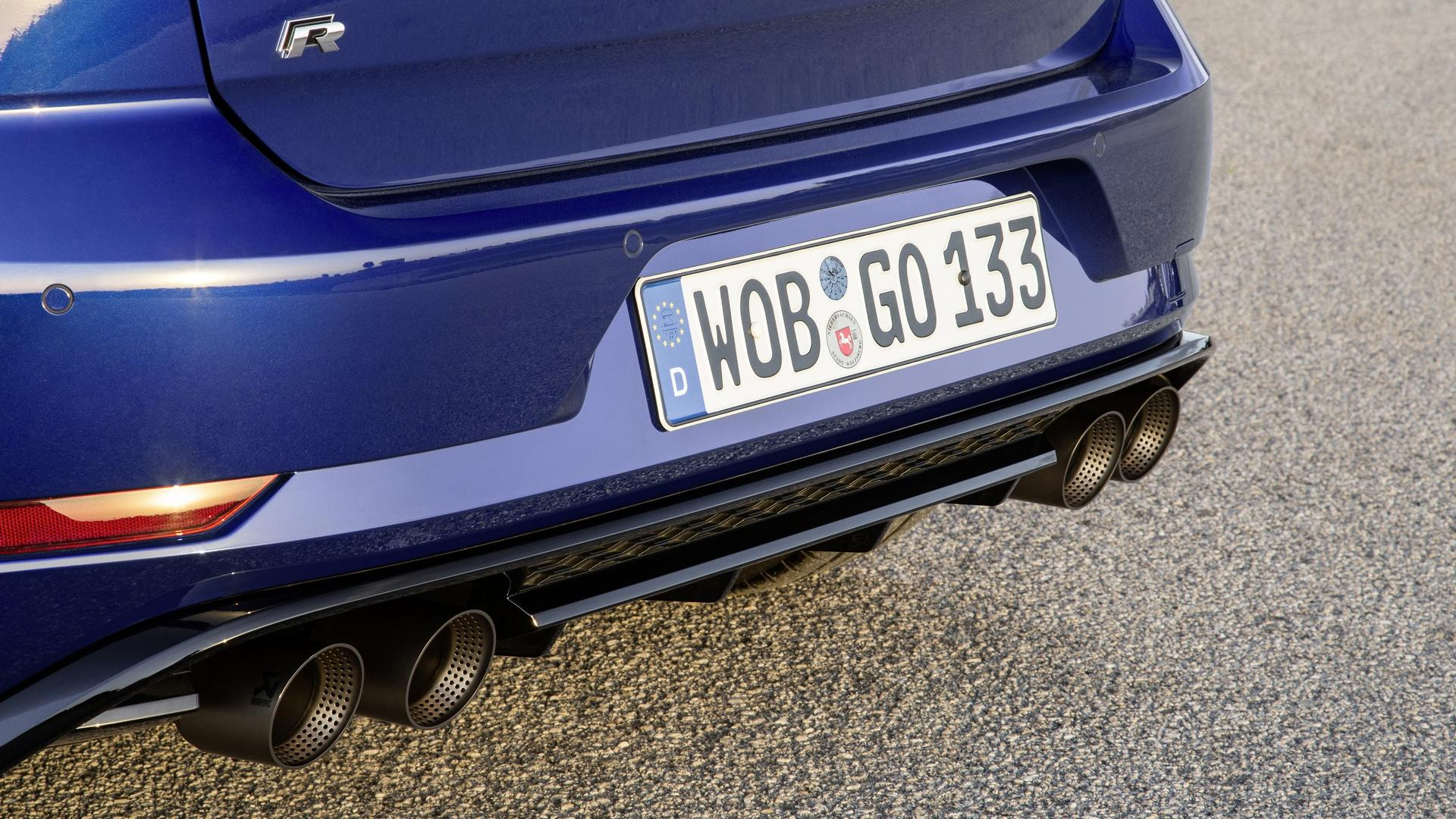 Vw Golf R Performance Pack Has Akrapovic Exhaust Lighter Brakes