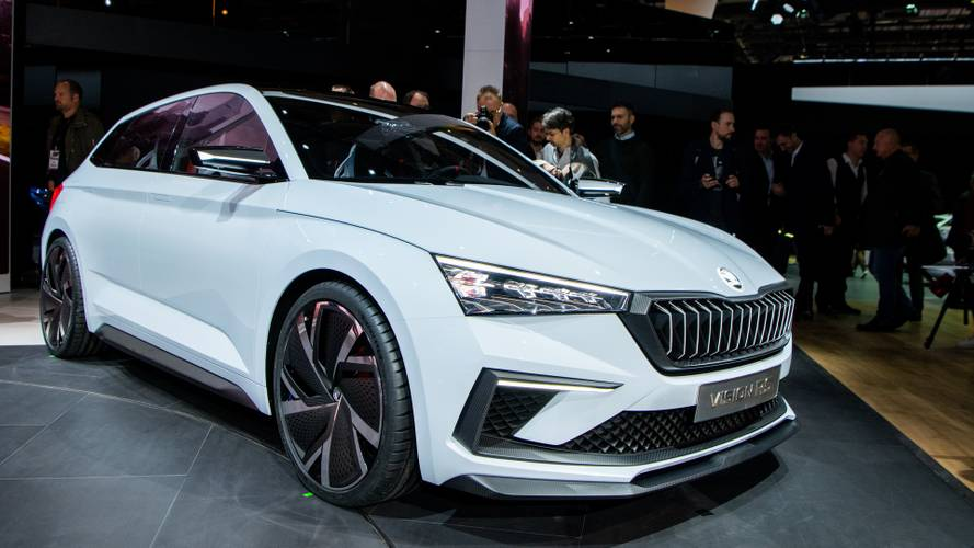 Skoda Vision RS Hybrid sport hatch heats up Paris