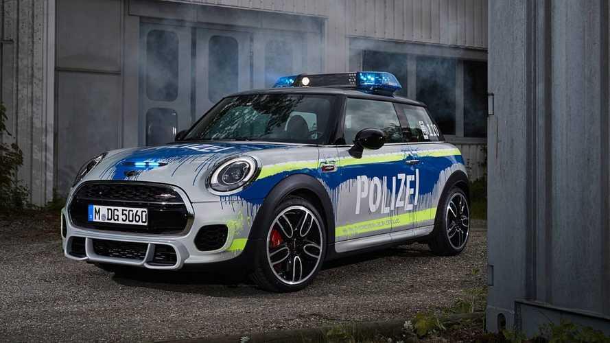 Mini John Cooper Works de 231 cv vira carro de polícia na Alemanha
