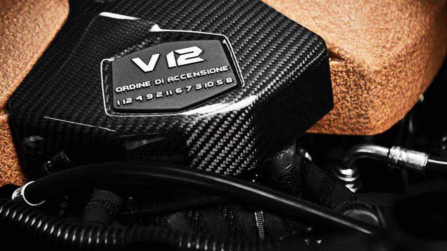 Lamborghini Aventador SVJ, così si accendono i cilindri del V12