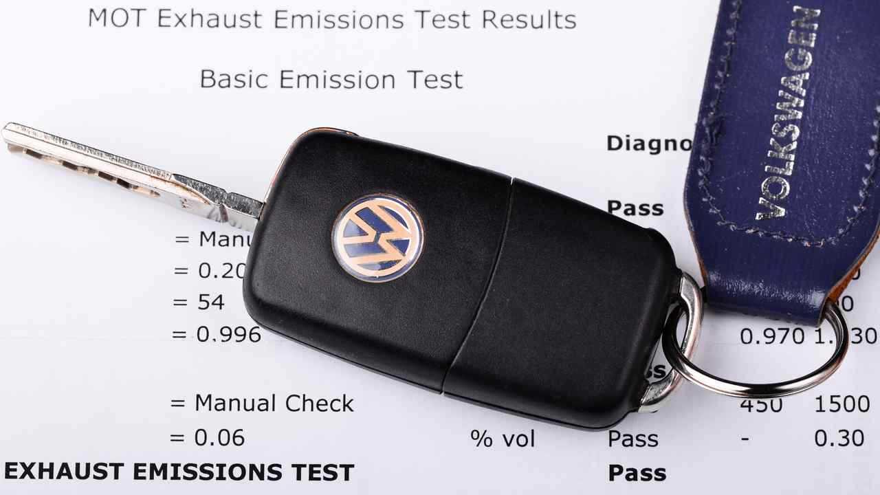 MOT exhaust emissions test result for Volkswagen car