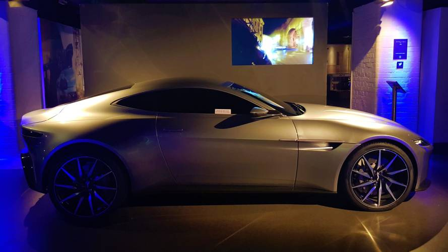 Los Aston Martin de James Bond en el museo cinematográfico de Londres