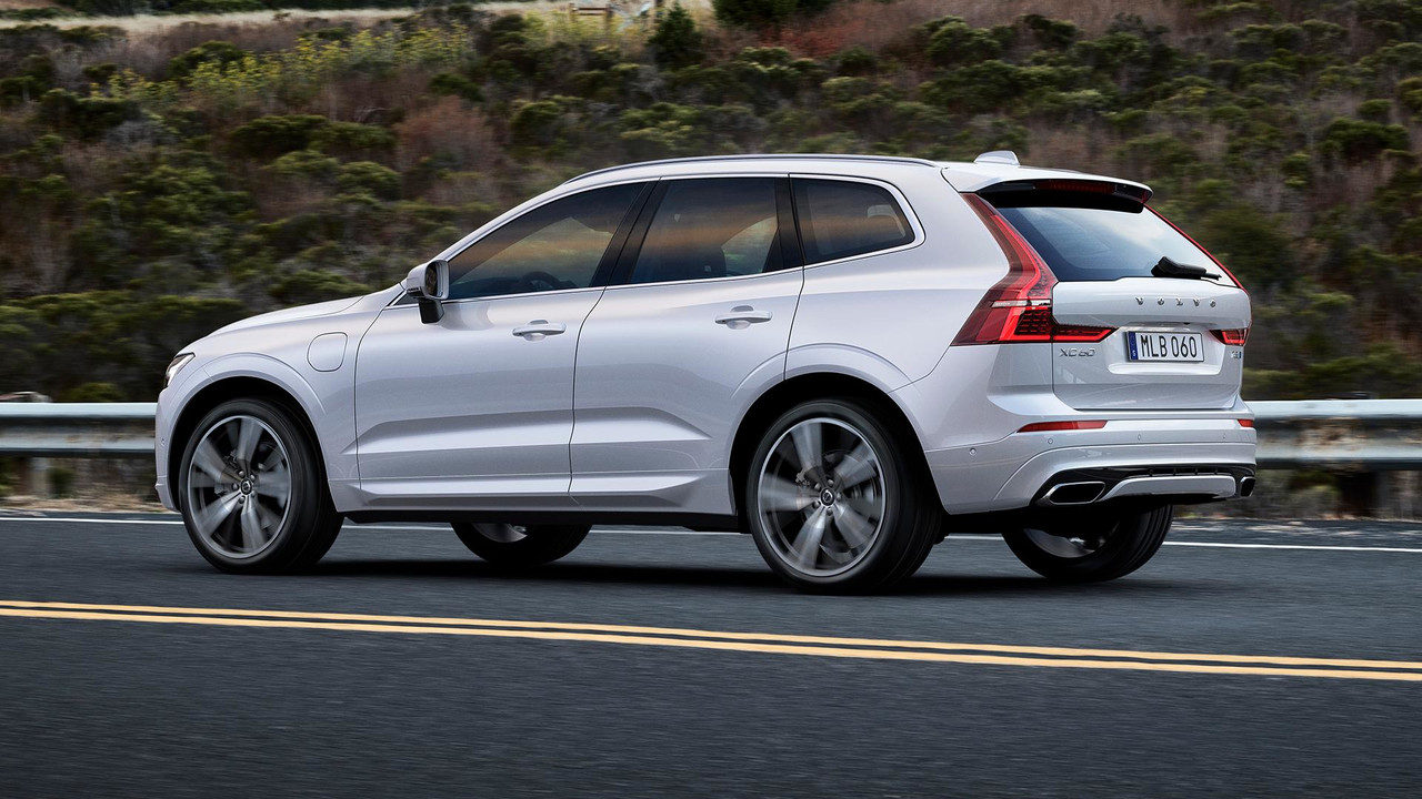 polestar gives volvo xc60 a little boost to 421 hp. Black Bedroom Furniture Sets. Home Design Ideas